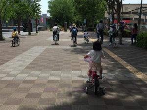 交通ルール・マナーも教えながら楽しくサイクリング