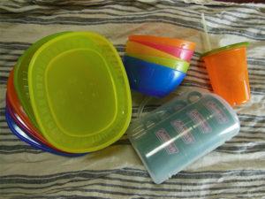 イケアのお皿は定番中の定番。乳幼児にはストローカップが便利