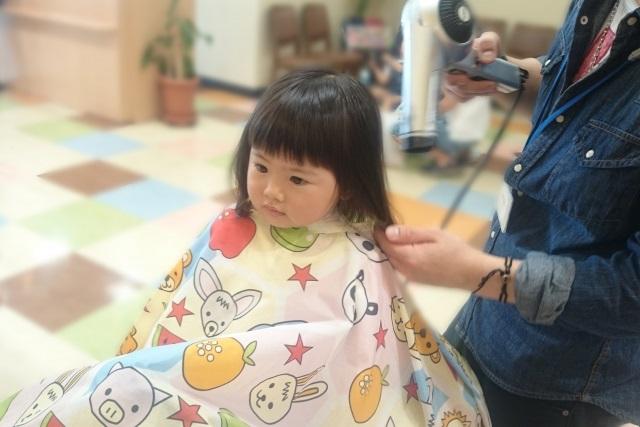 赤ちゃんの美容院デビュー!?1,2,3歳のヘアカットどうしてる?
