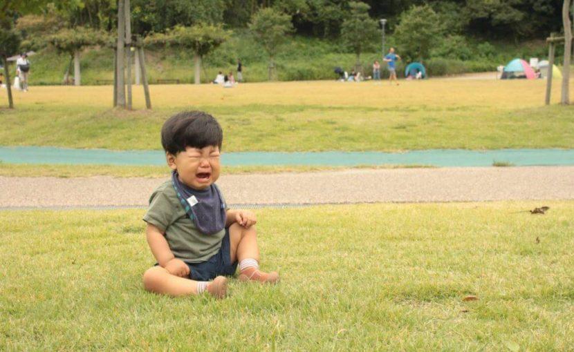 泣いている子ども